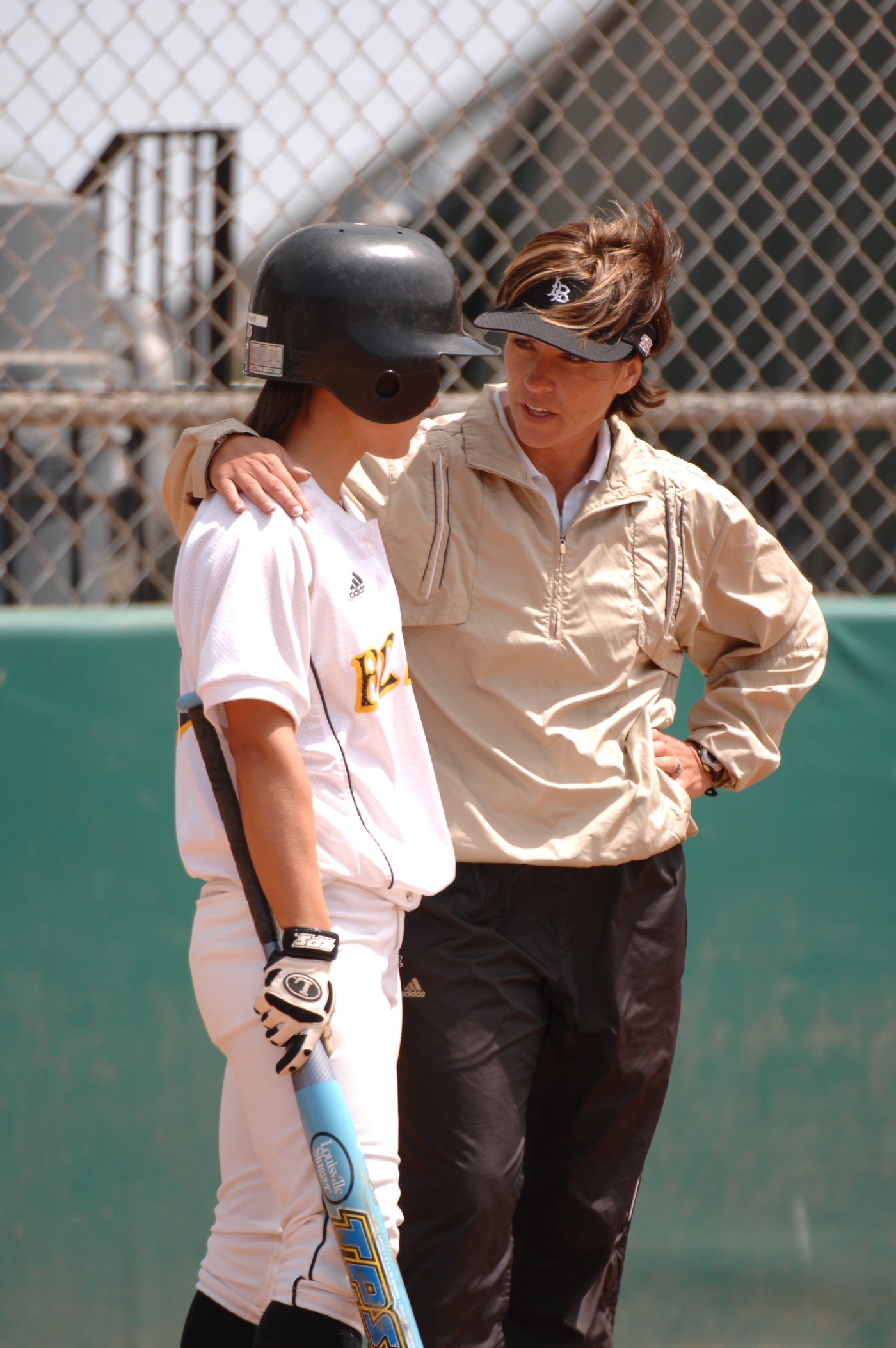 Long Beach State Softball Signs Four to National Letters of