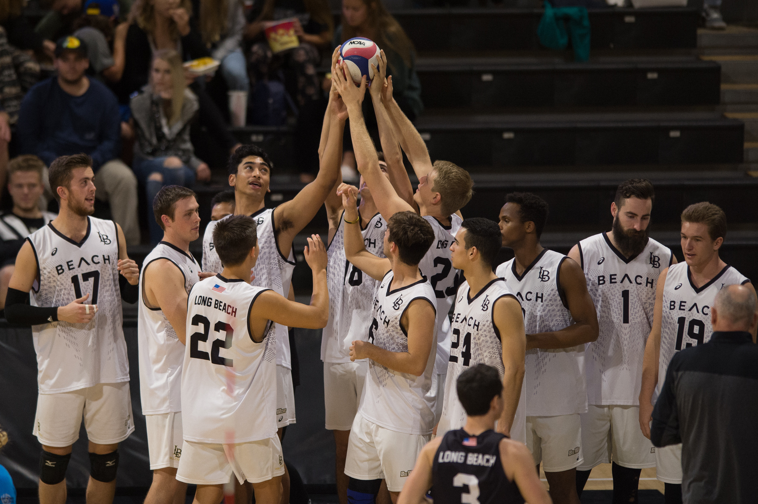 Long Beach State Men S Volleyball Breaks Season Ticket Record Long Beach State University Athletics